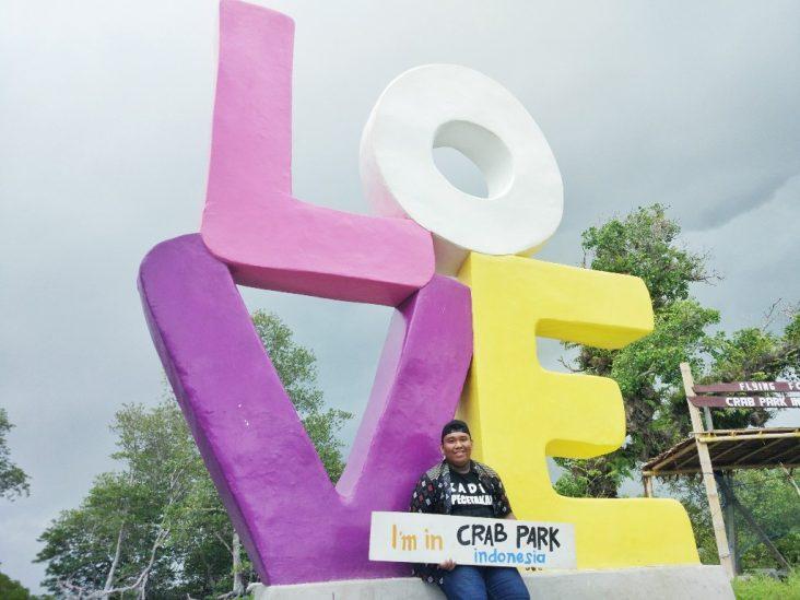 Tugu Love